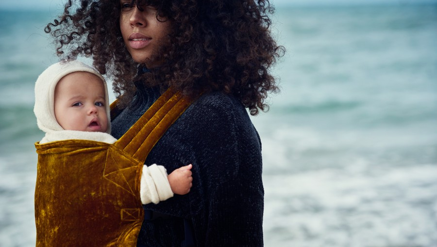 Welcome to ARTIPOPPE, the avant-garde babywearing design house bringing you the most beautiful Baby Carriers on earth.